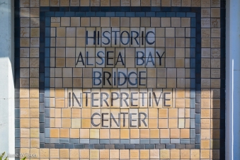 Alsea_Bay_Bridge_Mural_03