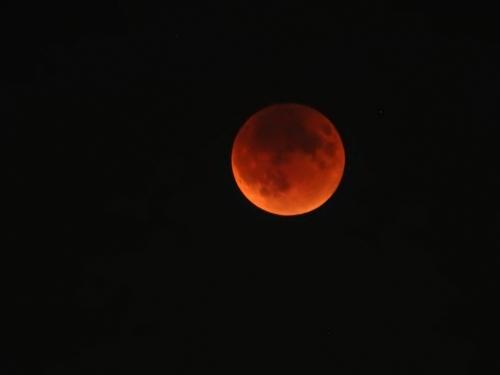 09-27-15-lunar_eclipse_b